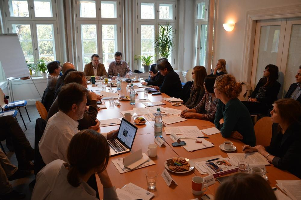 "Workshop ""Engaging Armed Groups"" im Veranstaltungsraum des SFB 700"