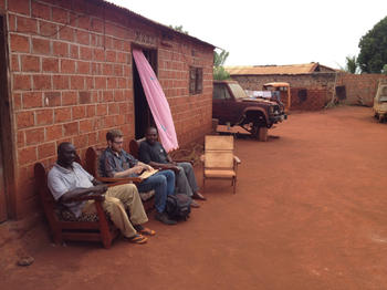 Tim Glawion talks to merchants in Bangassou, Central African Republic