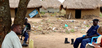 Interviewing the Congolese police in Bazi at the border to South Sudan
